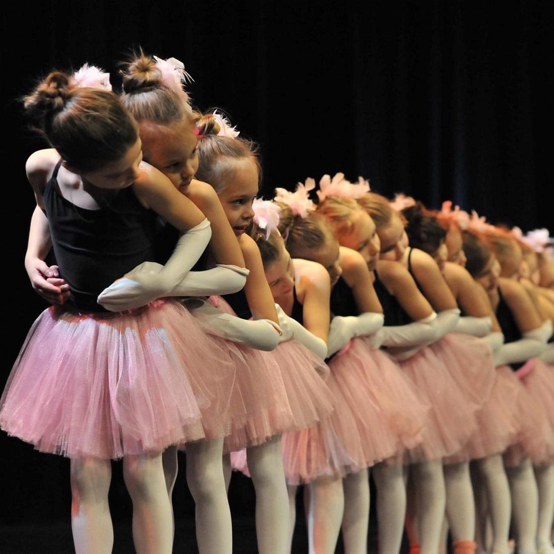 Piruett táncoslányok